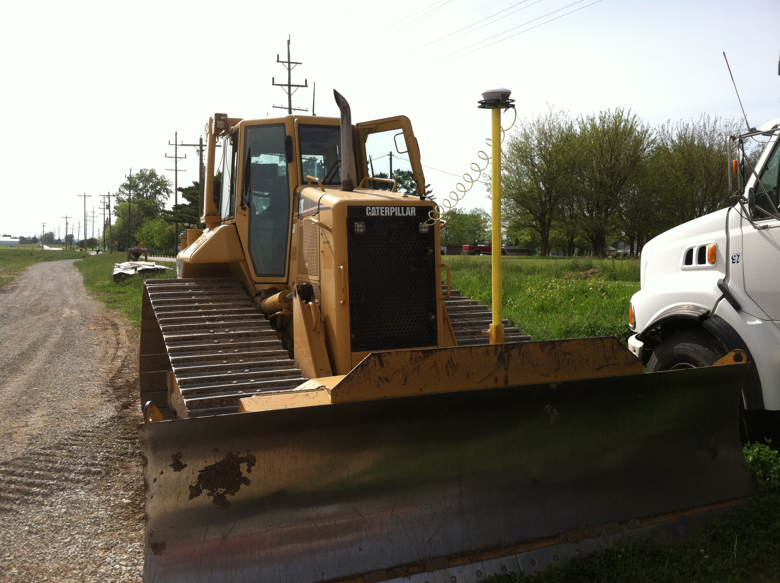 CAT D6 with FmX